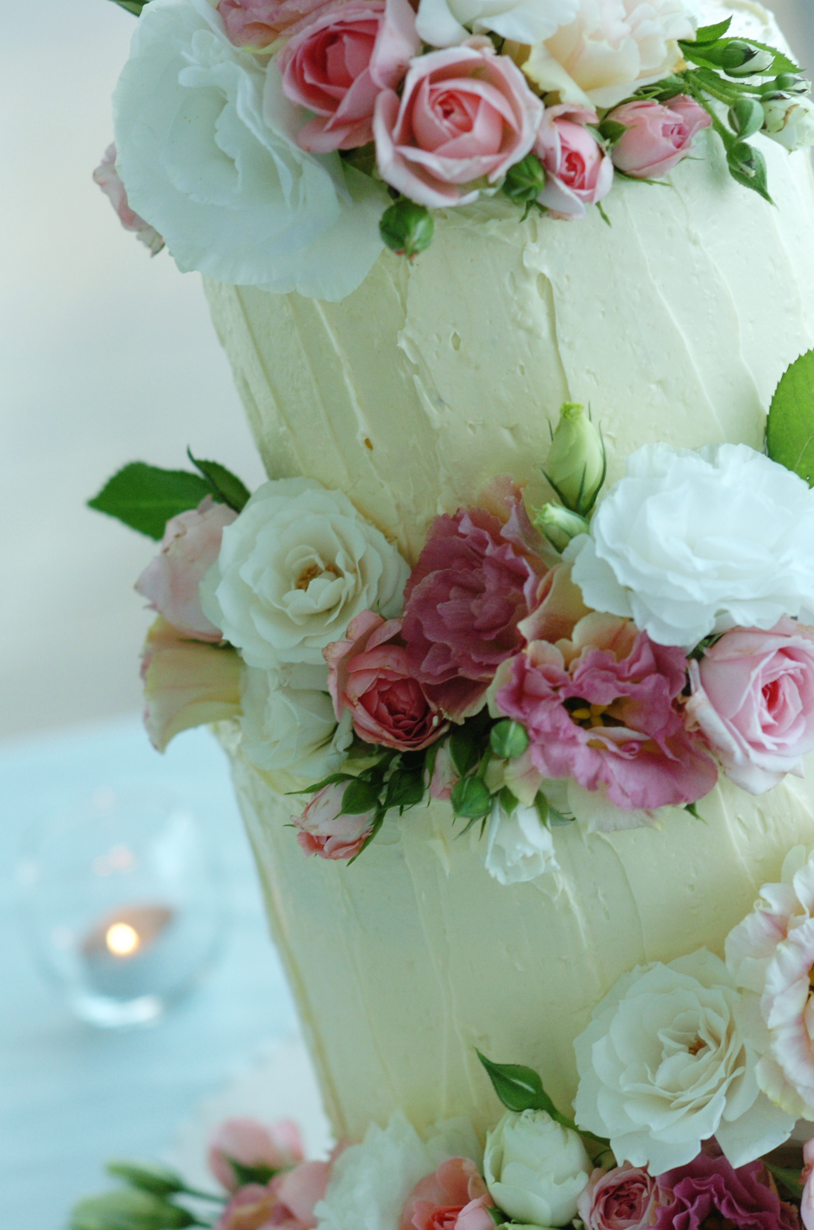 this is not a competition but the offer of a free wedding cake to the value